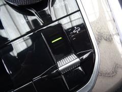 BMW-X7-45