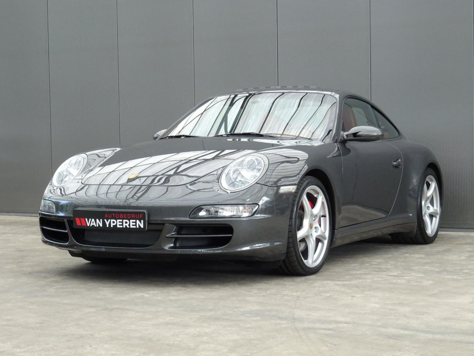 Porsche-911-35