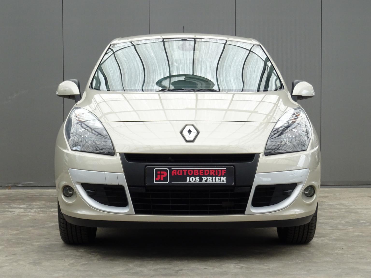 Renault-Scénic-10