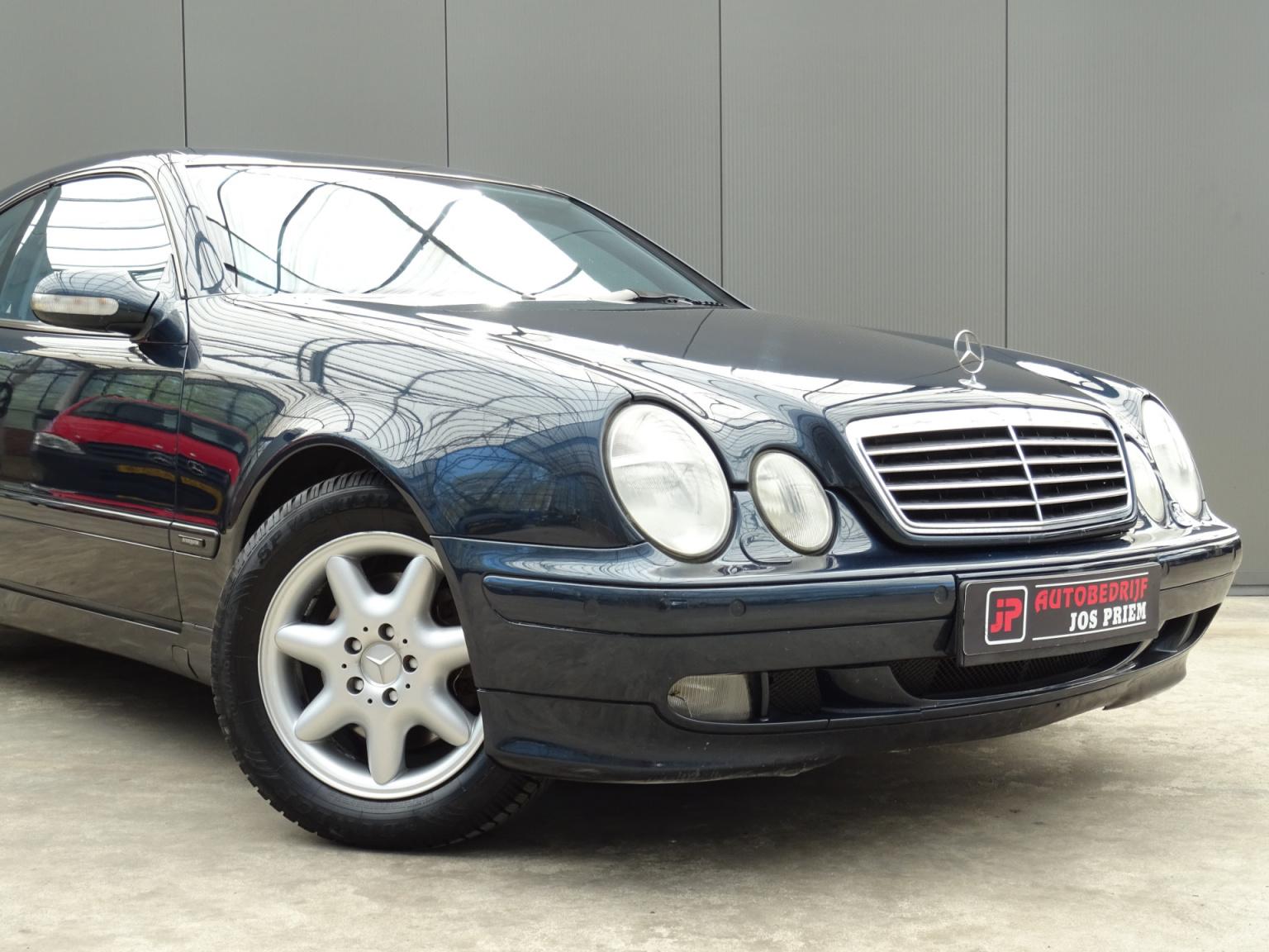 Mercedes-Benz-CLK-Klasse-45