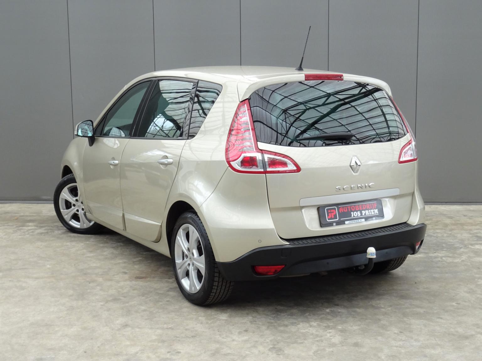 Renault-Scénic-2