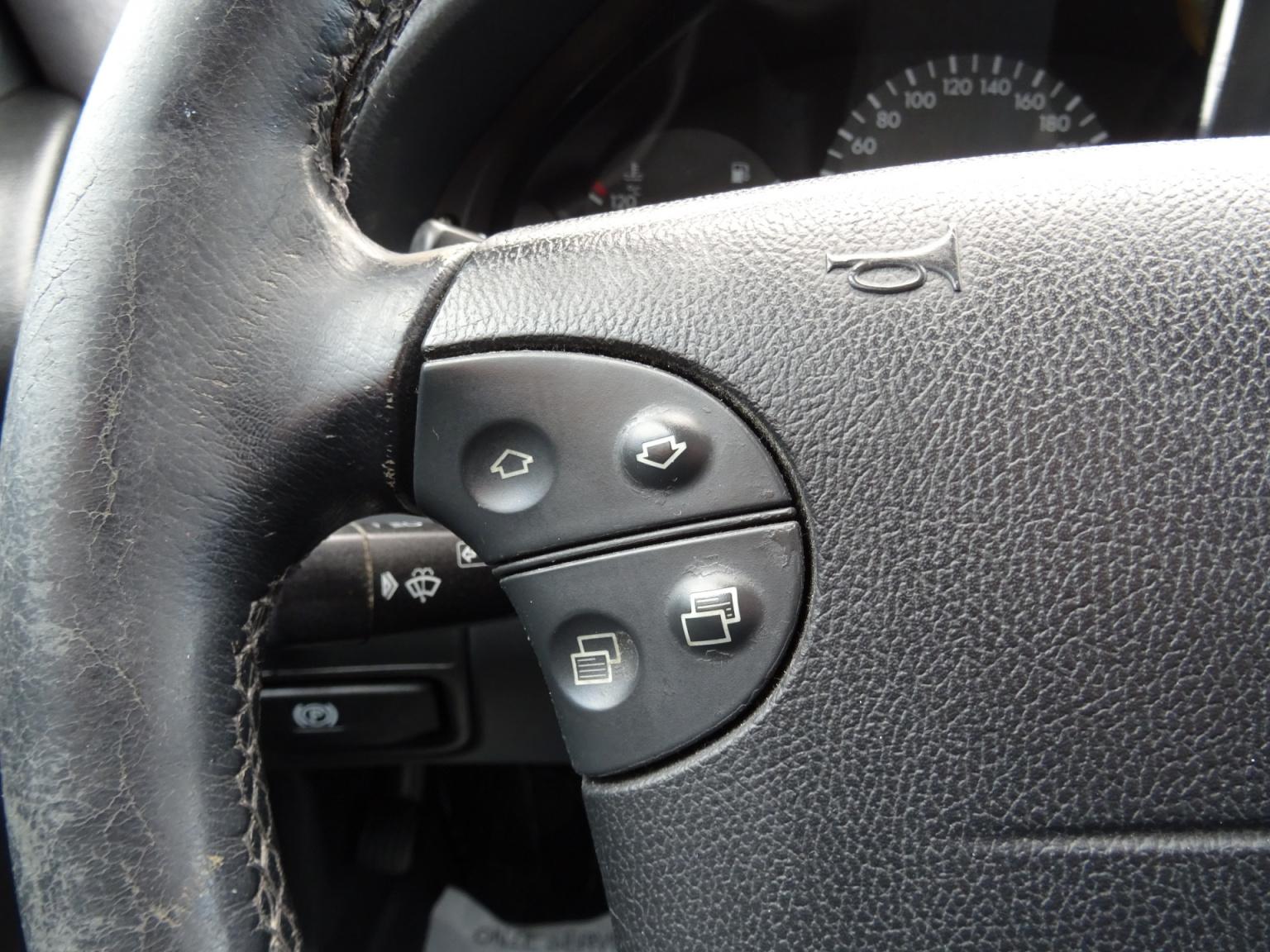 Mercedes-Benz-CLK-Klasse-15