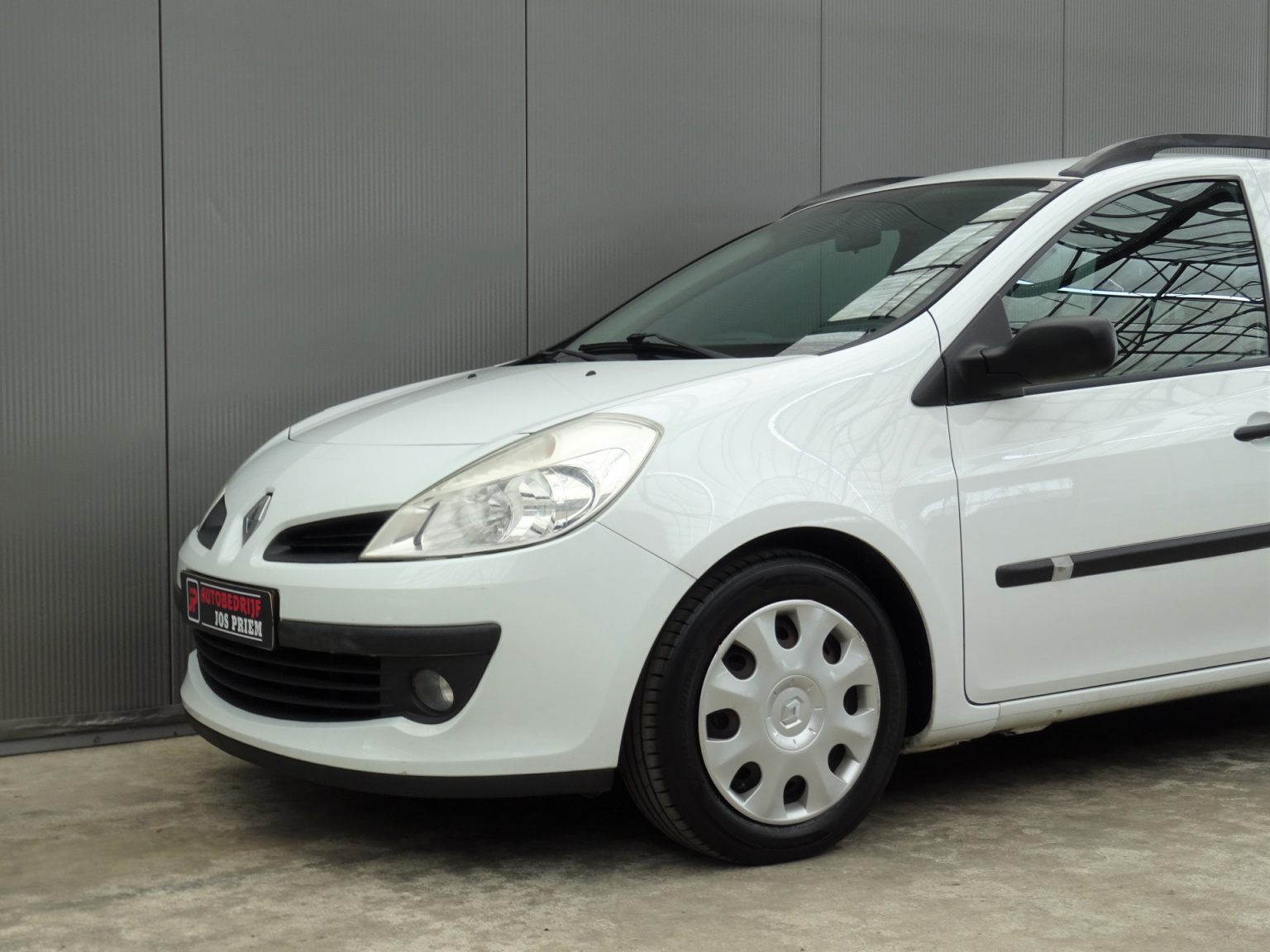 Renault-Clio-32