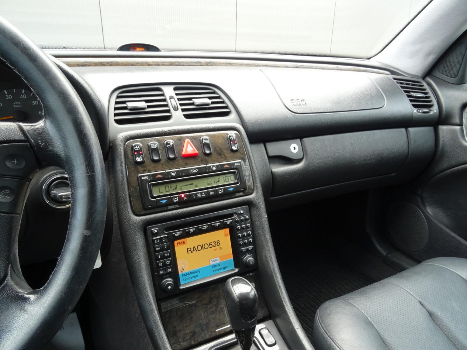Mercedes-Benz-CLK-Klasse-20