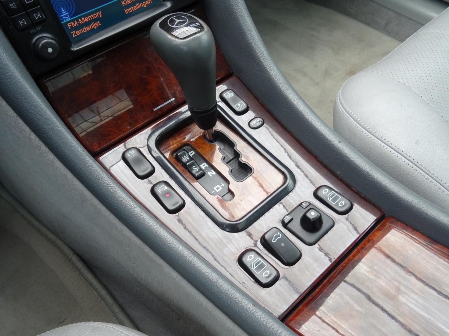 Mercedes-Benz-CLK-Klasse-23