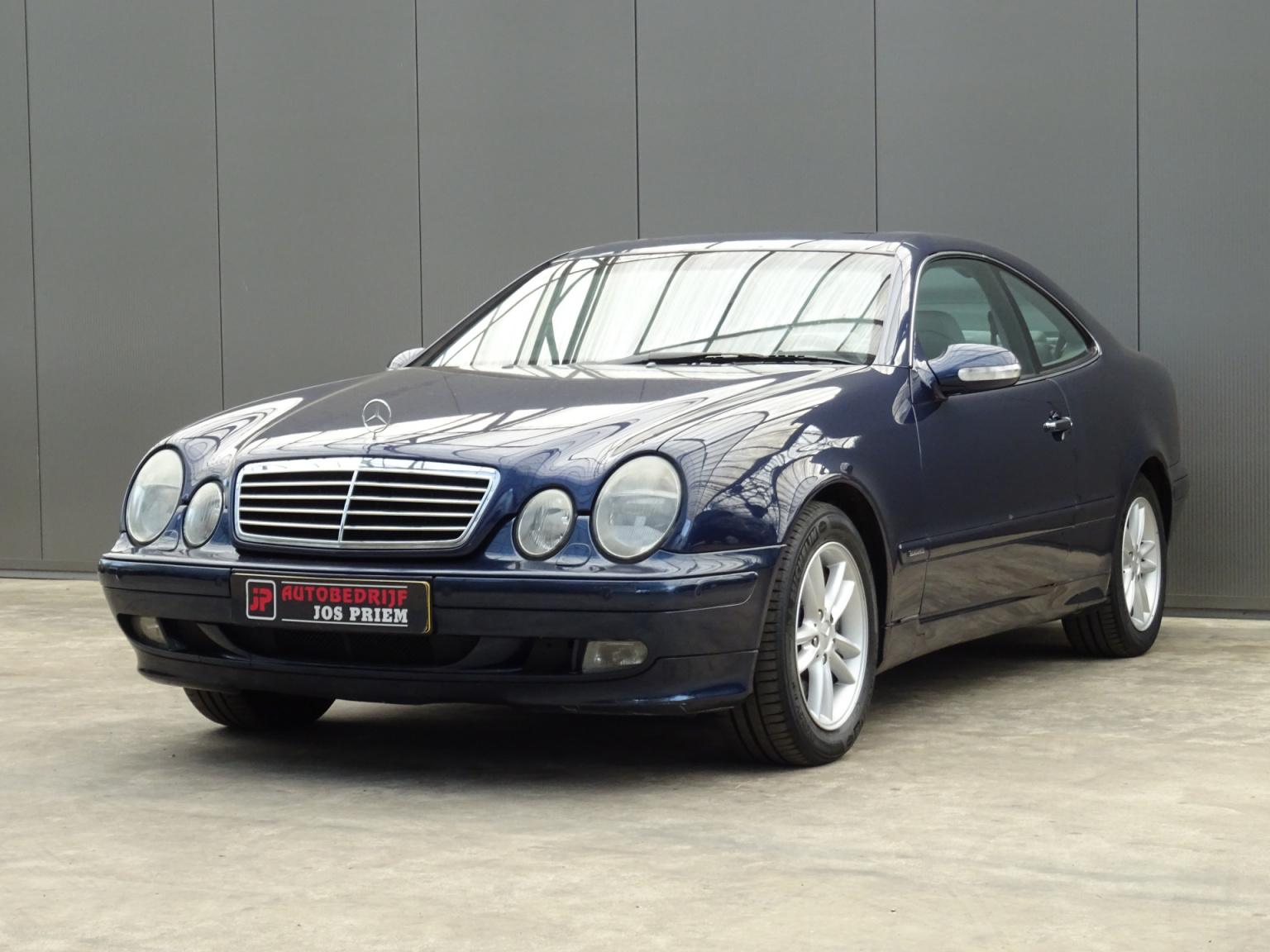Mercedes-Benz-CLK-Klasse-25
