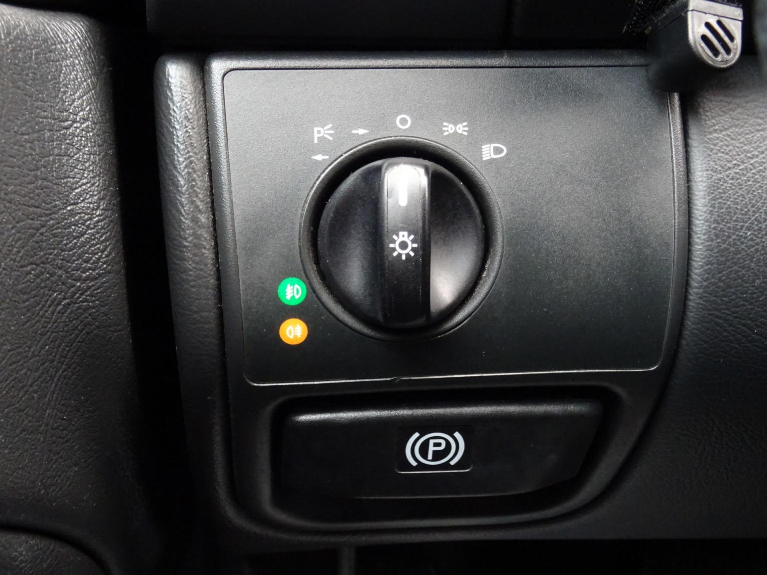 Mercedes-Benz-CLK-Klasse-13