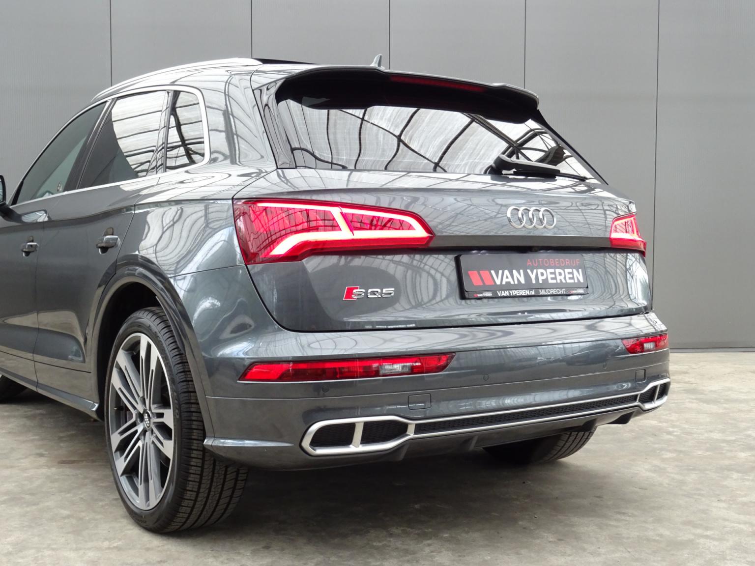 Audi-Q5-57
