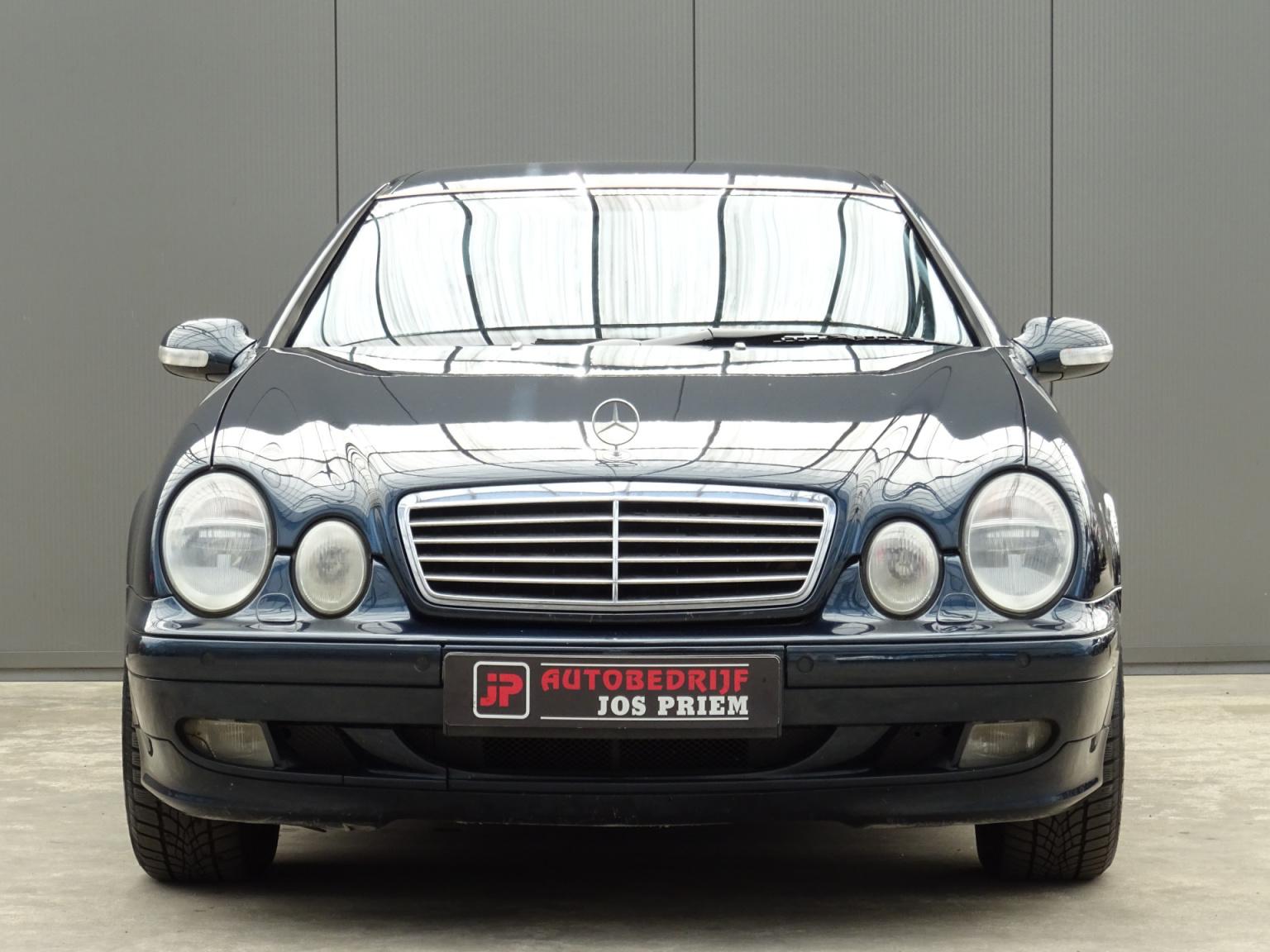 Mercedes-Benz-CLK-Klasse-9