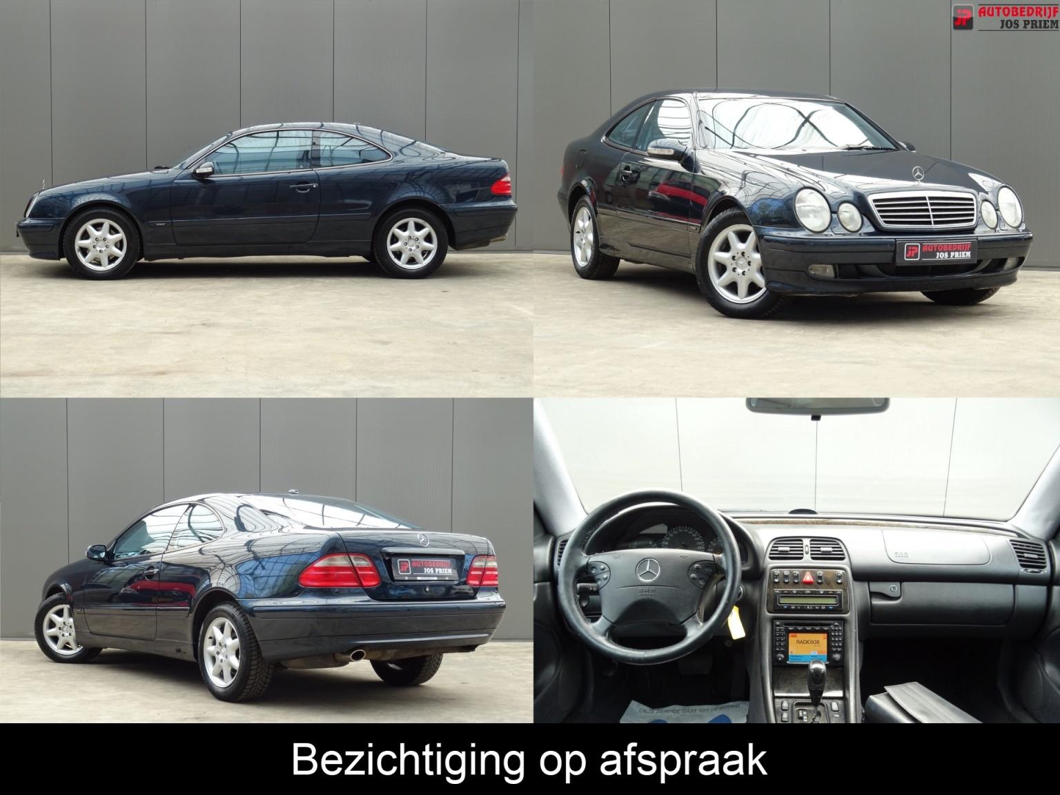 Mercedes-Benz-CLK-Klasse-0
