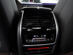 BMW-X7-68