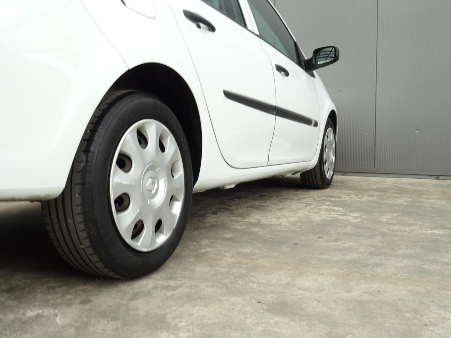 Renault-Clio-31