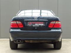 Mercedes-Benz-CLK-Klasse-11