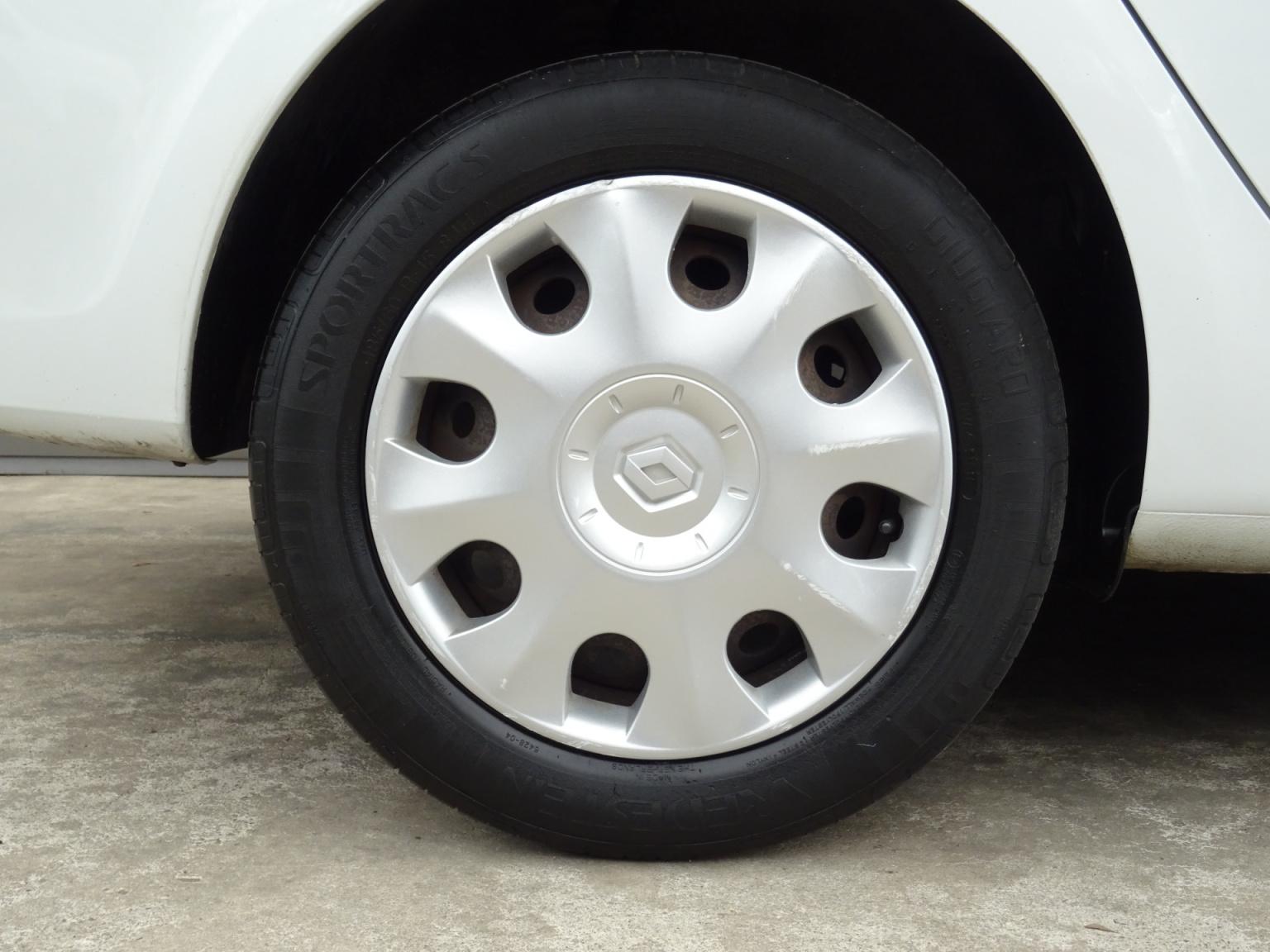Renault-Clio-30