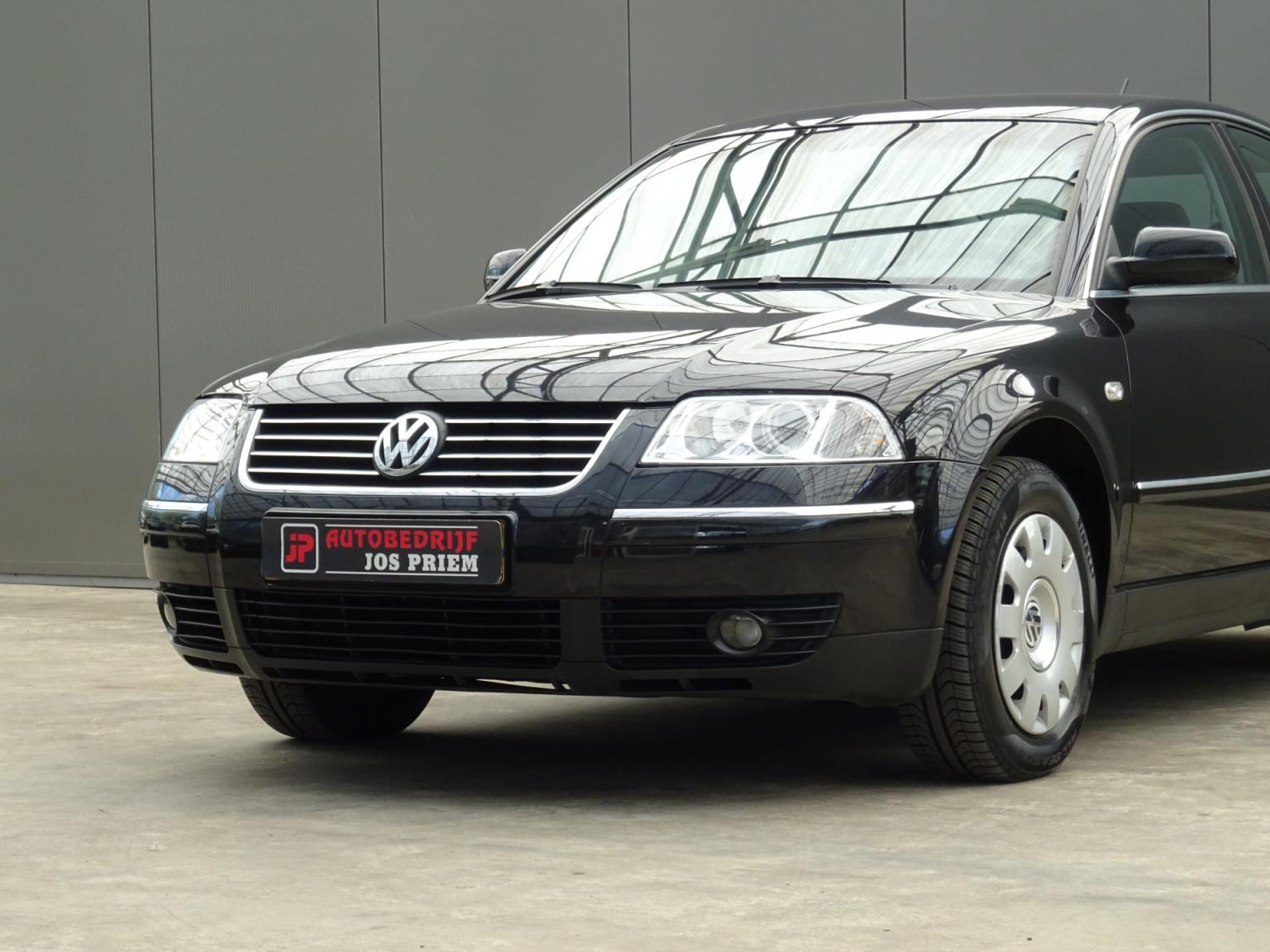 Volkswagen-Passat-24