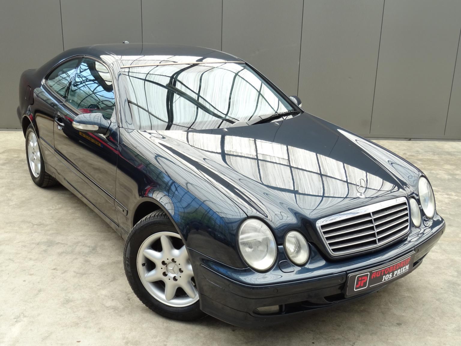 Mercedes-Benz-CLK-Klasse-46