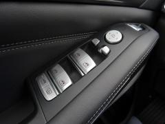 BMW-X7-16