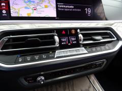 BMW-X7-31