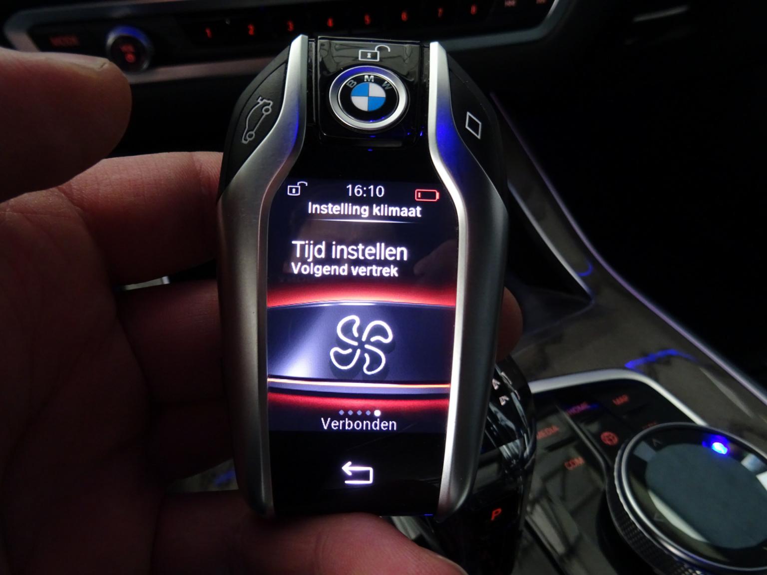 BMW-X7-75