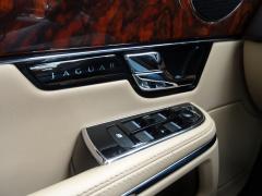 Jaguar-XJ-16