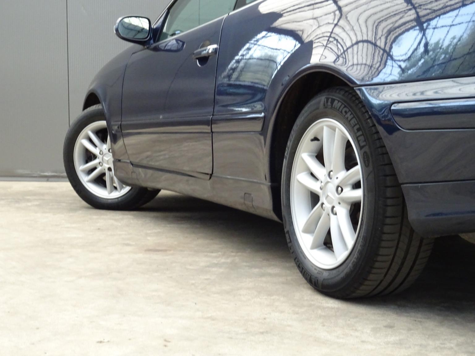 Mercedes-Benz-CLK-Klasse-32
