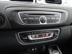 Renault-Scénic-24
