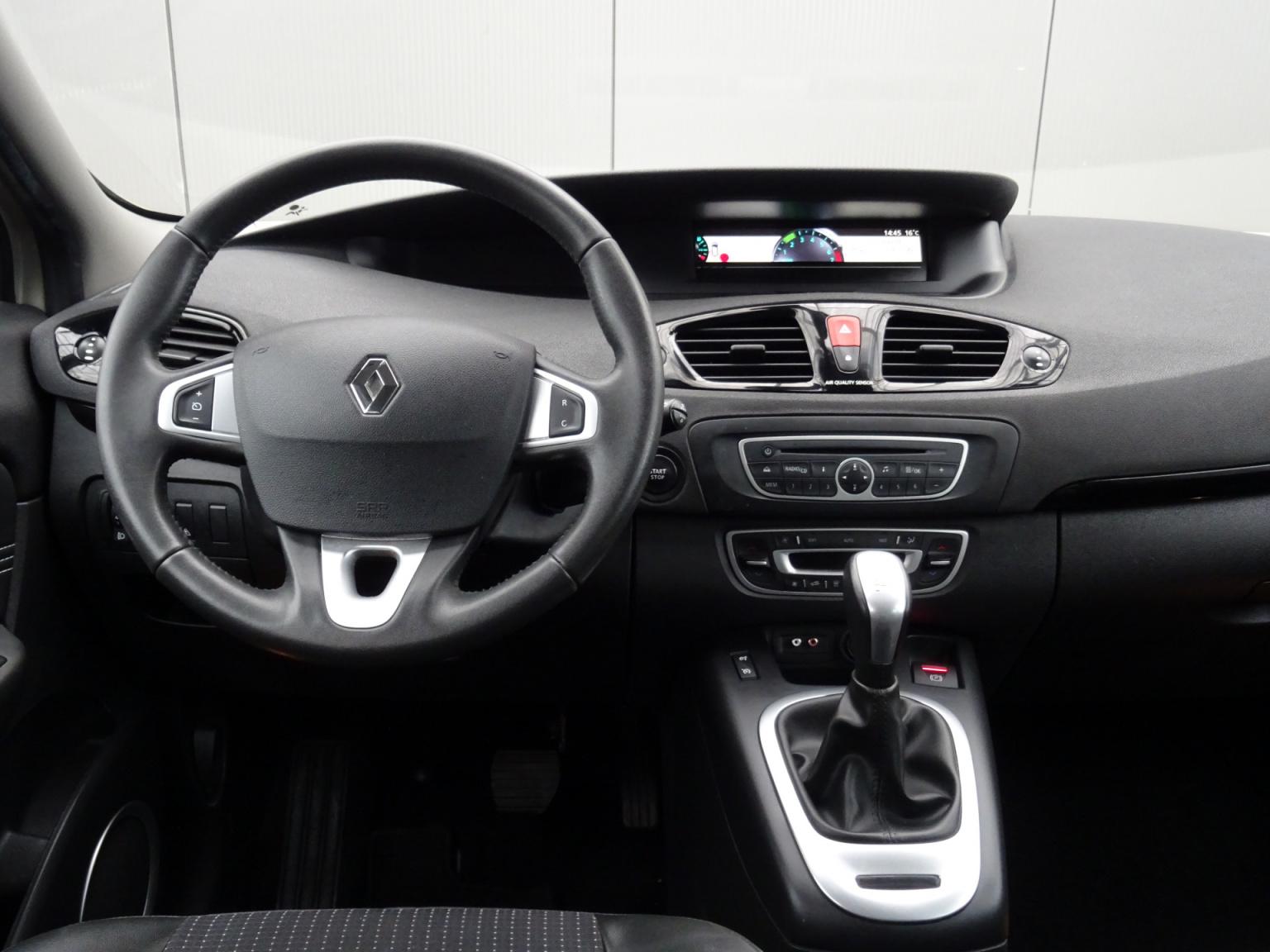 Renault-Scénic-16